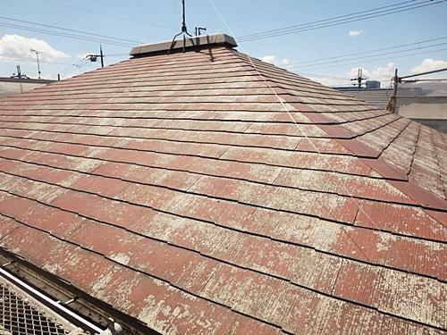 解体工事を行うコロニアル屋根