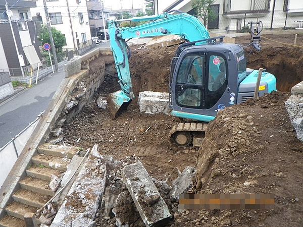 間知石積み擁壁解体工事