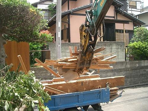 分別解体工事 木くず分別積み込み状況