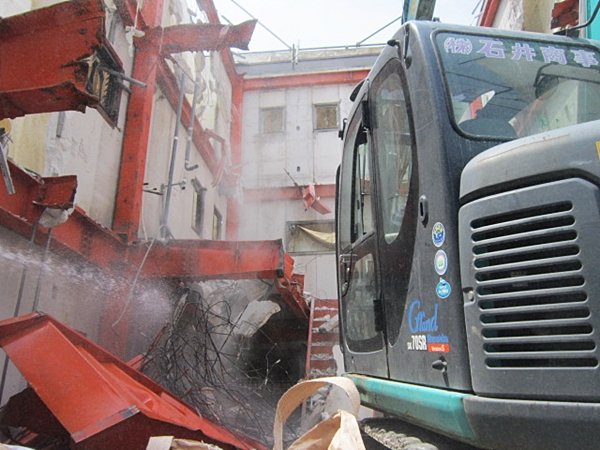 重量鉄骨3階建解体工事