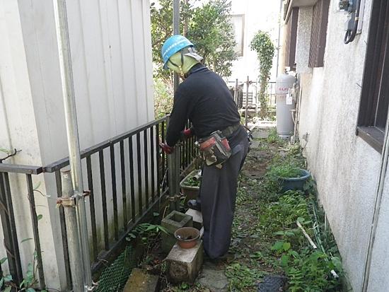 解体工事単管打ち込み