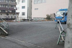 アスファルト駐車場