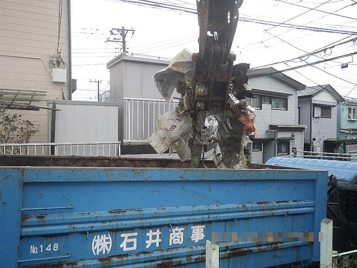 混合廃棄物積み込み