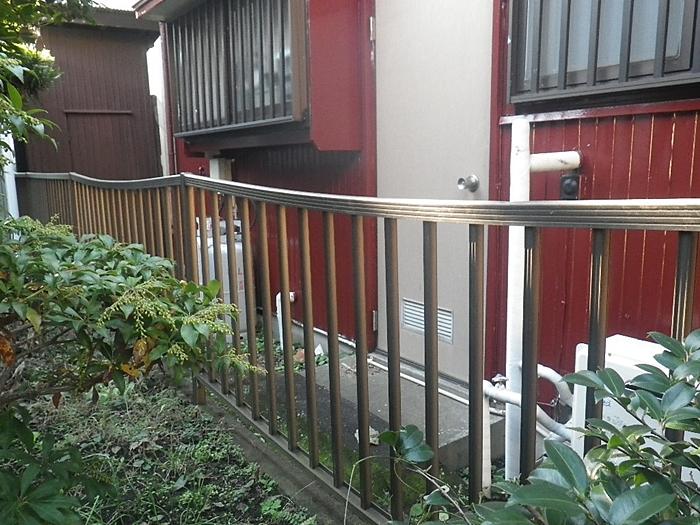 隣家のフェンス