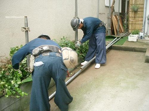 解体工事の養生作業