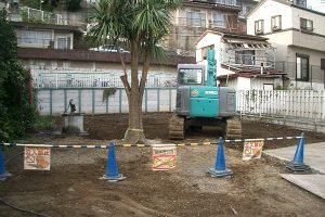 解体工事植木残しの状況