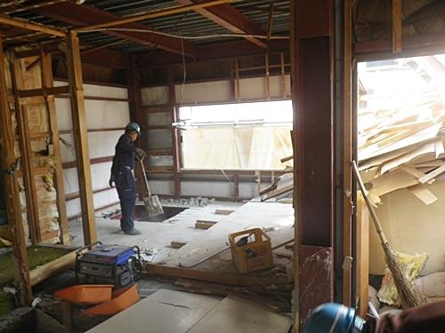 内装解体工事の状況