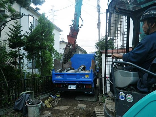 基礎コンクリート積み込み