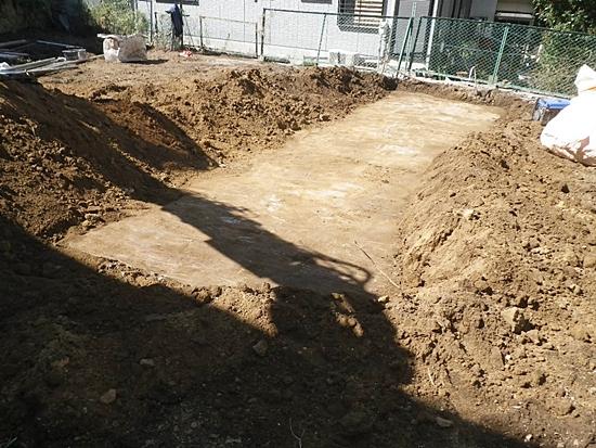地中埋設物