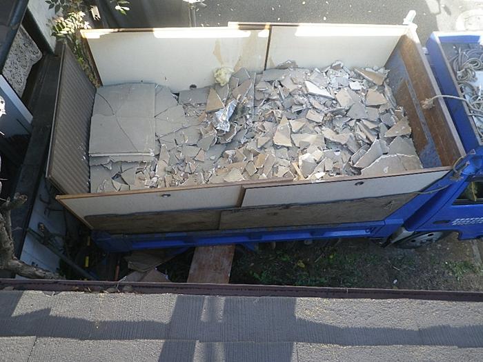石膏ボードを積み込んだ状況