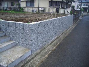 CP型枠ブロック擁壁2